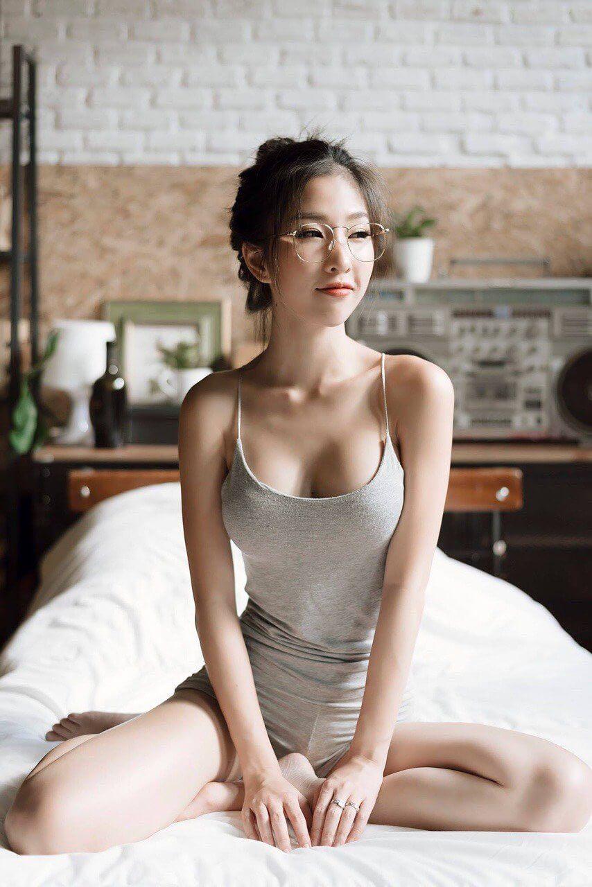 美女板机机的照片
